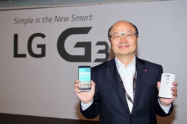 台灣LG電子金柄亨董事長親臨新加坡發表會 共同見證LG G3首度亮相