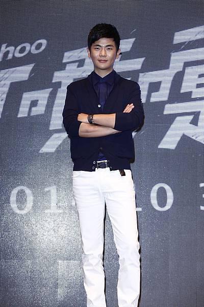 張曉龍穿著ZEGNA出席九把刀電影《打噴嚏》記者會-1
