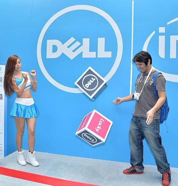 【圖三】消費者在「Lucky Dell好運999」骰子大賽,使盡全身好運要將筆電以NT$999的價錢帶回家