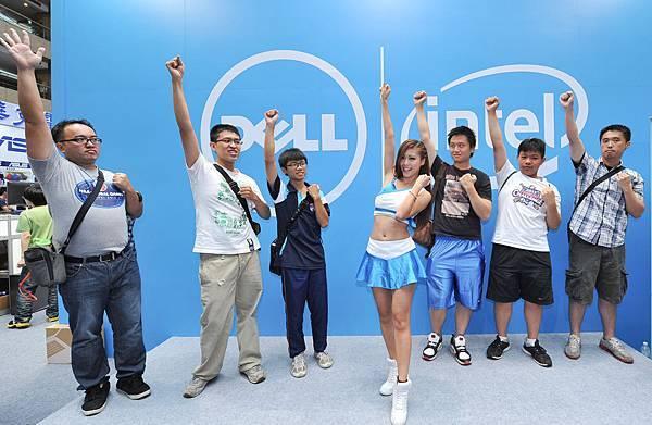 【圖一】Dell應援團團長Amis邀請粉絲一同活力三連拍,齊聲大喊「我愛Dell」