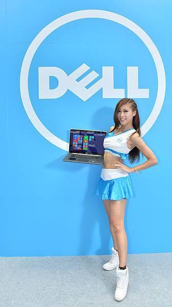 【圖十】Dell Girls歡迎大家來參觀Dell台北電腦應用展攤位,數不進的好康通通「戴」回家