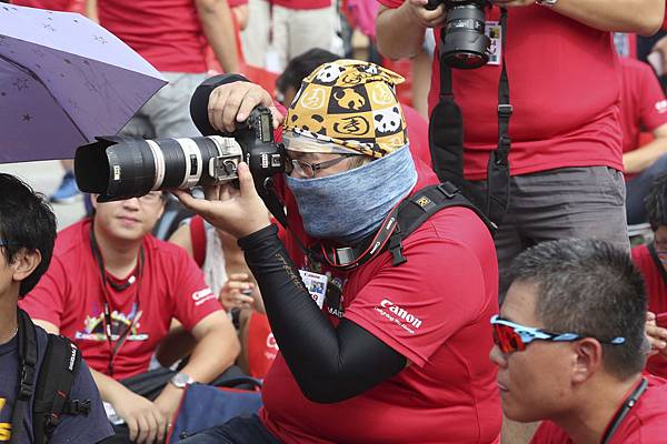 圖說一:2014 Canon攝影馬拉松於今日(27)熱血展開,北高兩地超過1200名攝影愛好者準備迎接12小時的創意大挑戰