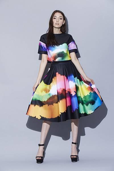 2014年台北魅力展(TIS)秋季展於11月6日至11月9日松山文創園區正式登場,圖片為Crystal Wang設計服裝