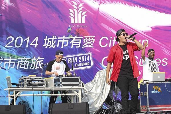 知名嘻哈DJ E-TURN饒舌Live演唱