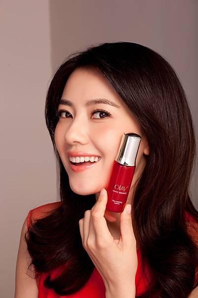 氣質女神高圓圓,日前為其代言之國際知名護膚品牌OLAY拍攝新一季廣告(OLAY提供)