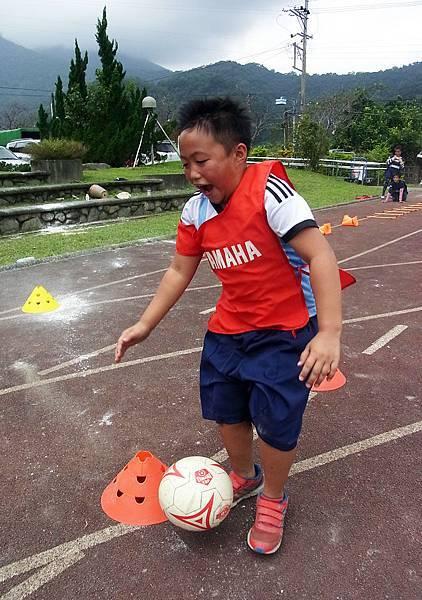【YAMAHA CUP】寒溪國小蔡子洛雖僅2年級,自幼與教練碰面就表達想成為足球員,對足球懷抱極大熱情