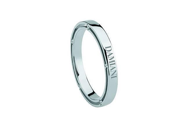2. D. Side 系列 白K金戒指,參考售價NTD 56,800 起