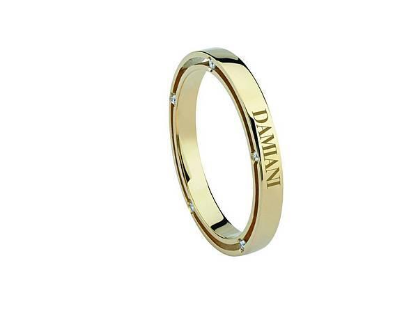 3. D. Side 系列 黃K金戒指,參考售價NTD 56,800 起