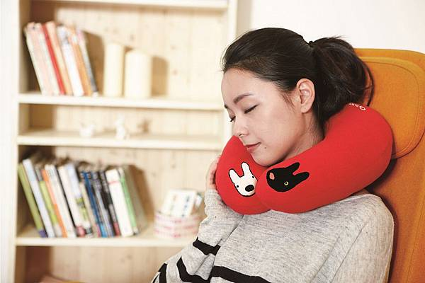 統一阪急台北店_最後一波Gaspard et Lisa 系列卡友禮「造型頸枕」,限量1,500份