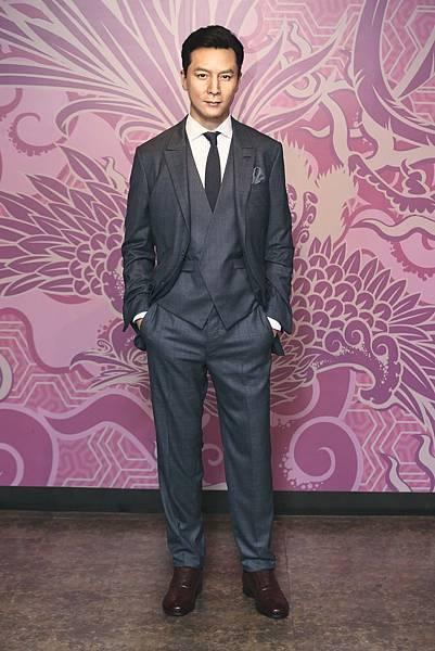 圖一、《孵花》男主角吳彥祖穿上Broken Suit現身香港杜莎夫人蠟像館