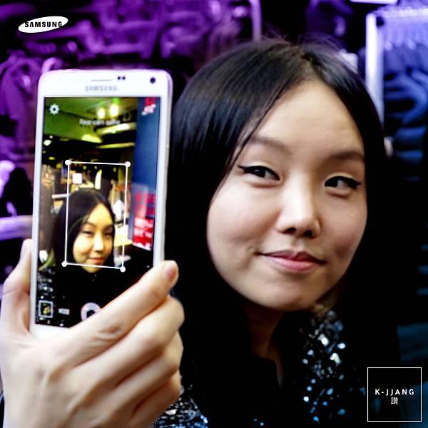 首席造型師Gee Eun透過GALAXY Note 4優異的拍照功能與廣角自拍,拍出最精采的生活照片