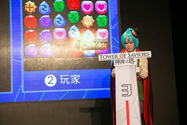 (神魔之塔)圖10-玩家也COS成神魔角色上台PK