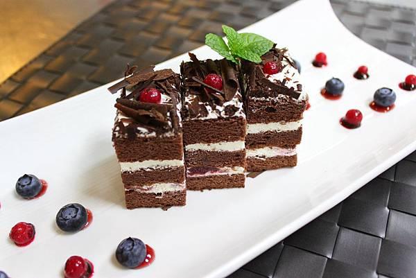 兆品酒店台中推出圓點森林蛋糕