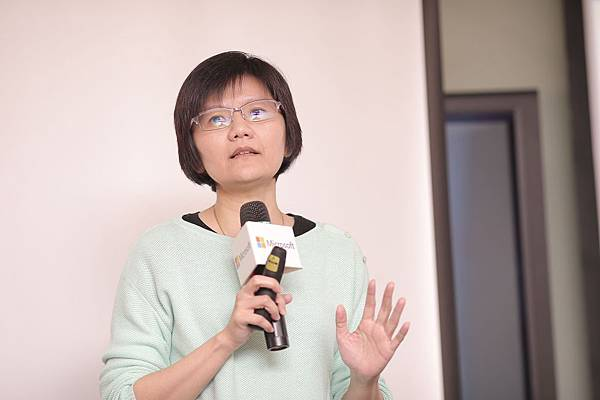 台灣微軟Windows及Surface事業部副總經理 周文英 分享Windows全系列機型