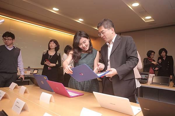 【新聞照片6】媒體朋友體驗經濟實用筆電 價格優惠但仍擁有極佳效能