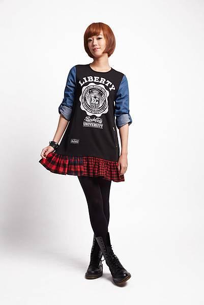 ROCKCOCO 2015年邀請輕甜系國民女孩—孟耿如擔任品牌大使,來完美詮釋春季的新龐克美學 (龐克搖滾LOOK_自由搖滾洋裝_$2080)