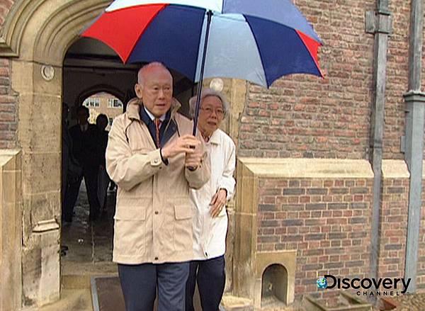 李光耀與妻子攜手重遊牛津