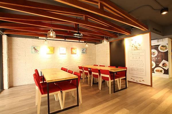 美威鮭魚廚房用餐區