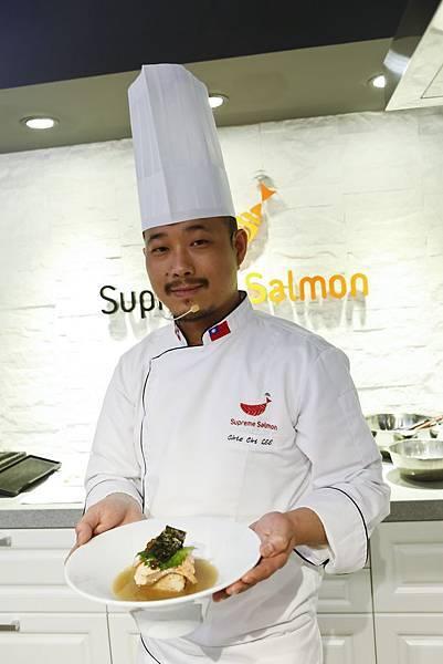 李佳其師傅示範鮭魚親子玄米茶泡飯2