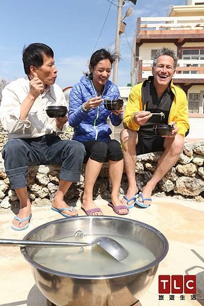 用牛糞當燃料煮出來的澎湖麵線別有一番風味