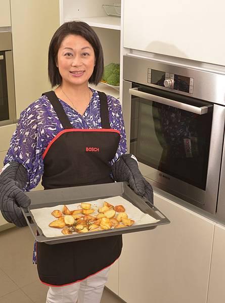 【新聞照-1】Bosch 烤箱幸福學---美味料理簡單上手, 催化新婚生活情趣, 台灣芳療教母卓芷聿:幸福家庭從料理「香氣」開始