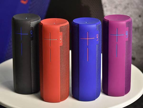 【圖二】UE MEGABOOM推出四款顏色,分別是神秘黑、艷陽紅、海水藍、時尚紫(由左至右)。