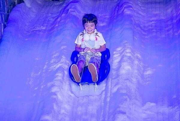 Joe體驗雪橇樂趣-2
