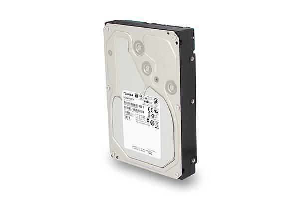 2.Toshiba 推出企業級雲端硬碟MC04系列6TB產品圖 (左)