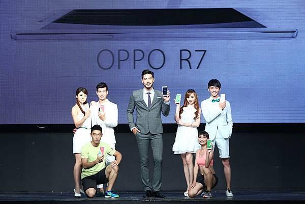 OPPO Taiwan形象大使高以翔,與O star共同展演全新R7系列。