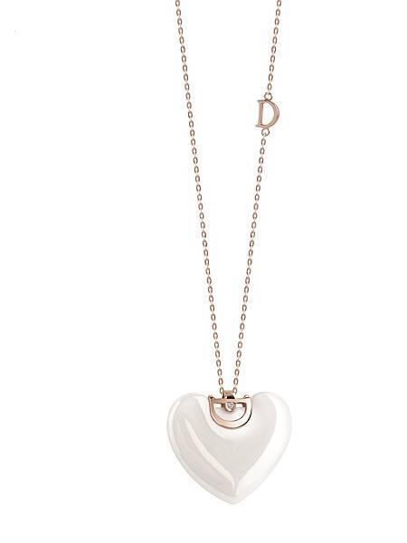 2. D.Icon魅力系列白色陶瓷項鍊,建議售價 NTD$ 42,800