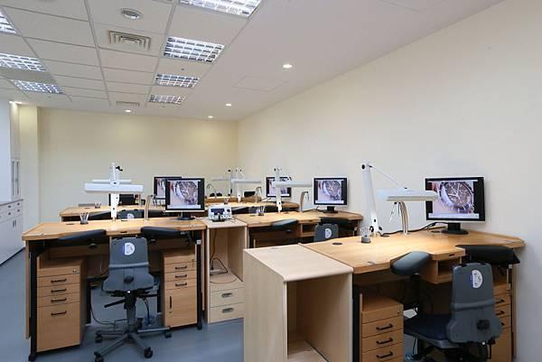 9.技術訓練室(training room)