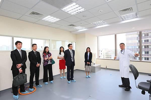 4.由專業技師帶領貴賓參觀Customer Service Center
