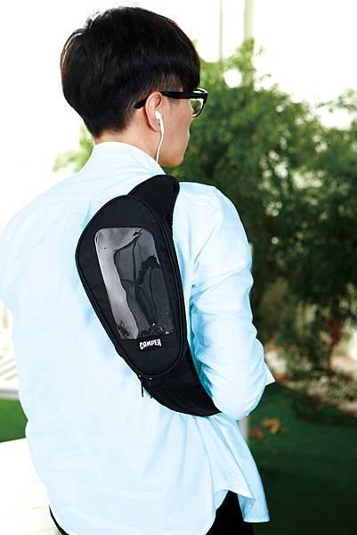 統一阪急台北店_卡友禮選定爸爸喜愛的品牌CAMPER聯名,運動型老爸必備的運動包2