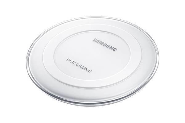 原廠無限閃充充電盤(白)比先前所推出的無線充電速度更快了27%