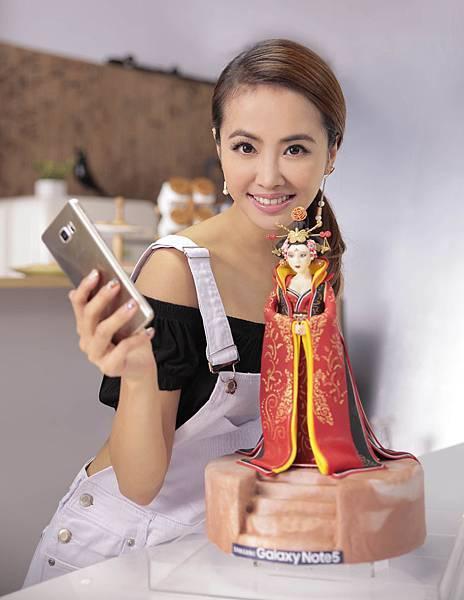 這次的創作同樣花費不少心血,作品「女王武則天」,超精緻的五官搭配唐朝經典服飾,Jolin皆巧手細膩詮釋