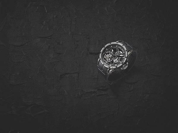 Excalibur 鏤空飛行陀飛輪腕錶 情境照