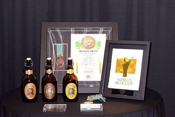 圖三 金色三麥以黑麥啤酒、蜂蜜啤酒,以及琥珀啤酒,在BeerFes橫濱分別獲得金賞、銀賞以及銅賞獎