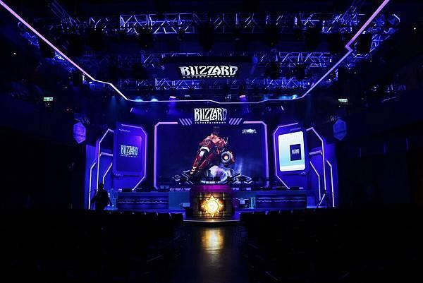 今年首次加入BlizzCon世界盃聯賽的《暴雪英霸》,台灣、香港與澳門將擁有一席資格!共計4組優秀隊伍將於本次賽事中的「台灣站總決賽」角逐冠軍,代表台港澳前進世界盃。