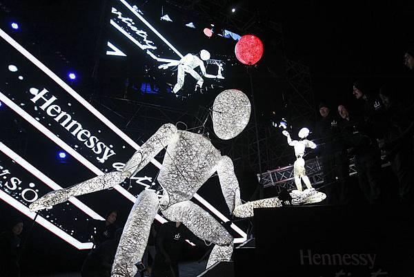 德國巨型人偶藝術團體Dundo來台參與2015軒尼詩炫音之樂