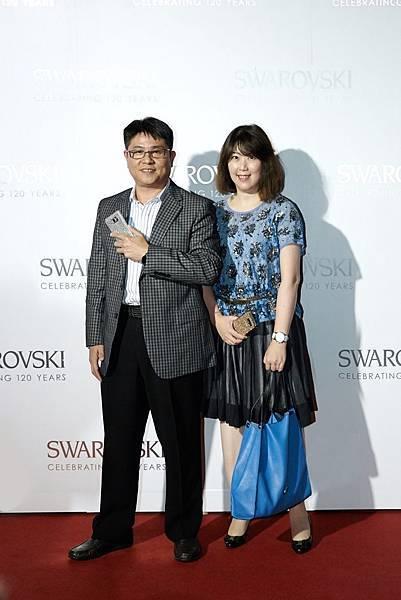 (左)台灣三星電子 行動與資訊事業部 總經理 曹紋察(右)台灣三星電子 行銷部 資深協理 余倩梅