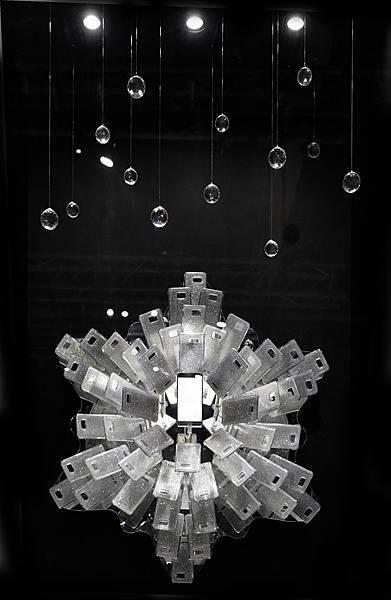體現三星創新科技與Swarovski的時尚美感,攜手再創科技藝術巔峰之作
