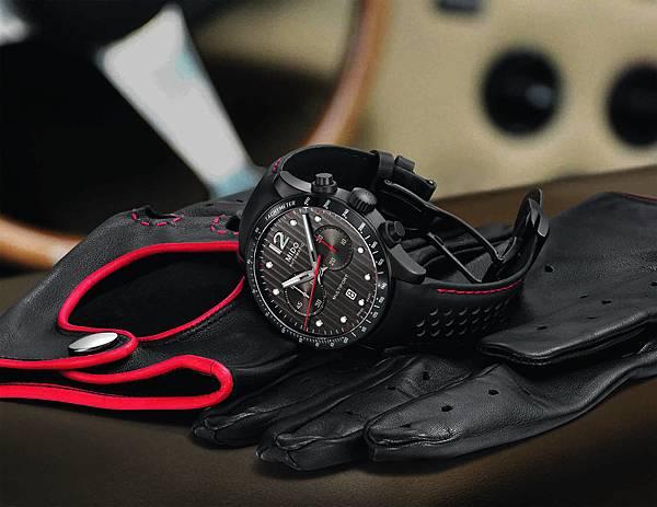 Multifort Chronograph Caliber 60先鋒系列60小時測速計時腕錶情境照