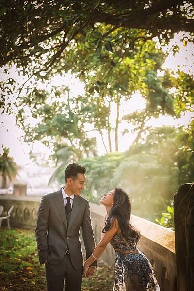 8.王陽明身著Ermenegildo Zegna灰色三件式西裝禮服拍攝婚紗照(2)