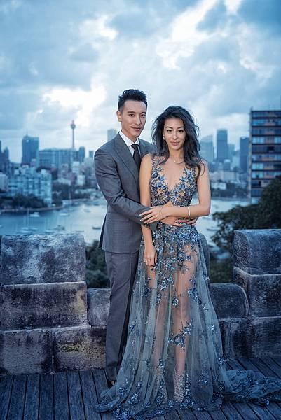 王陽明身著Ermenegildo Zegna灰色三件式西裝禮服拍攝婚紗