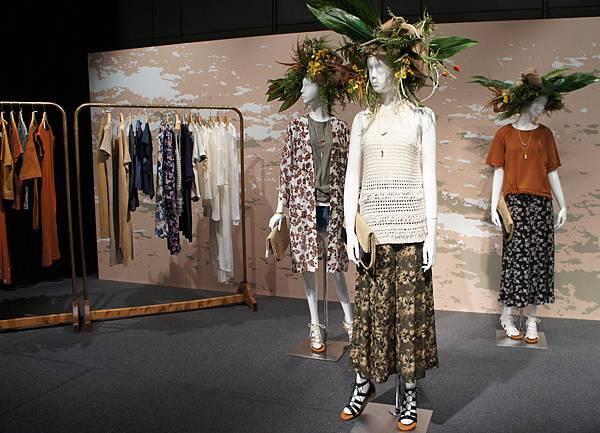 GU 2016春夏東京展示會_每月時尚主題故事:「TROPICAL SAFARI都會熱帶風」