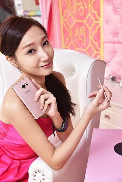 Samsung Galaxy Note 5夢幻新色「瑰鉑粉」首次亮相