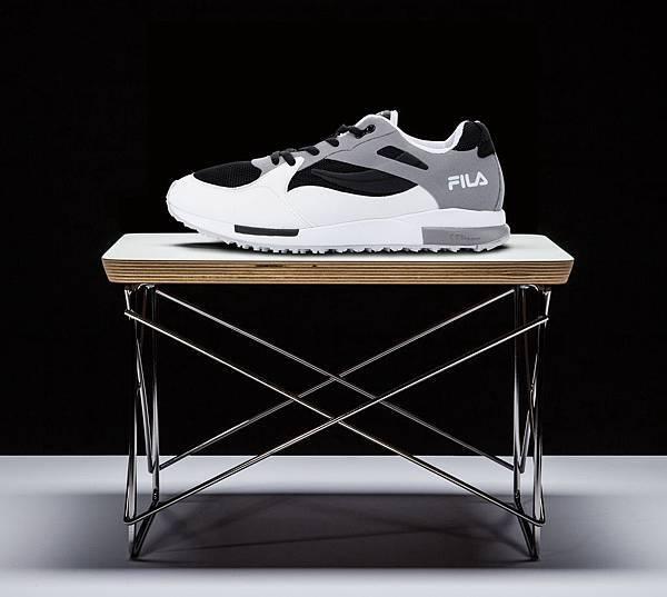 於90年代首度推出的訓練鞋款,2015年復刻版升級搭載輕量化模組中底_OVERPASS訓練鞋_NT$4,680