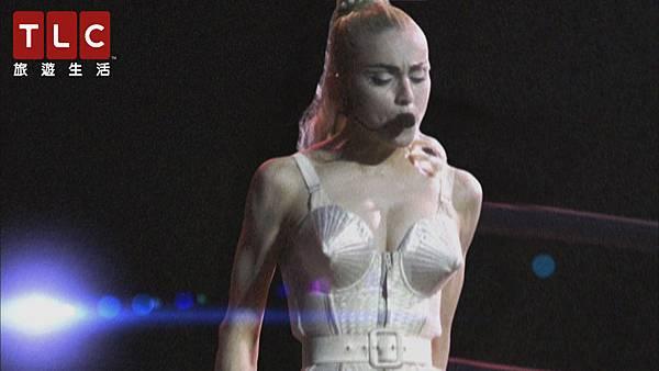 瑪丹娜穿著「尖錐胸罩」引領內衣外穿潮流