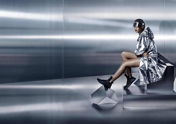蕾哈娜設計 FENTY x PUMA 首發 Trainer 鞋款充滿未來科技感