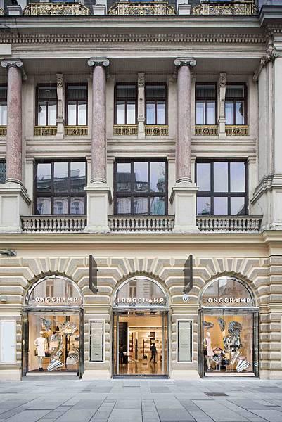 2. Longchamp 2015年於維也納新開幕店面